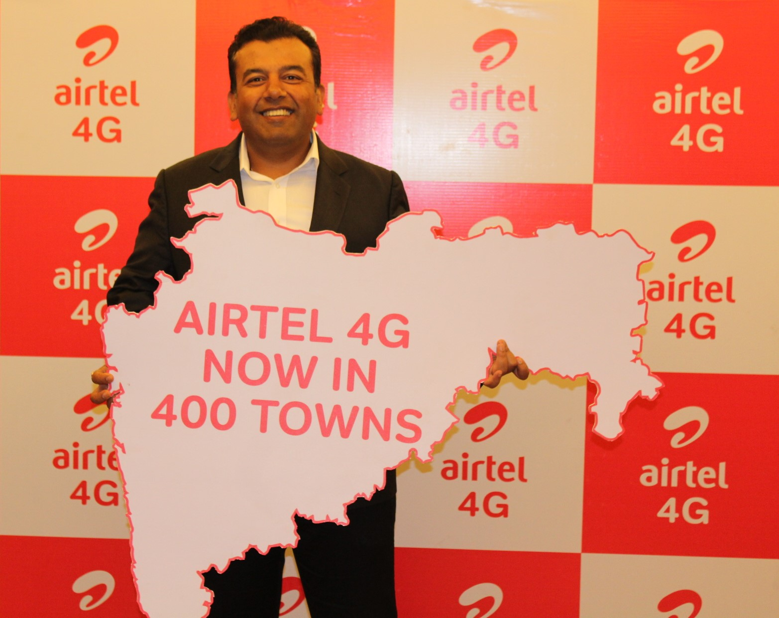 CEO-Rest of Maha & Goa Vidur Rattan announcing the expansion of Airtels 4G network in Rest of Maharashtra & Goa